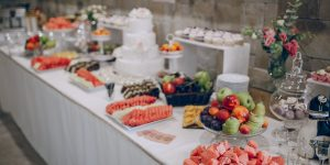 great decor wedding buffet restaurant which looks tasty